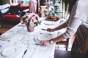 Protocolo en la mesa